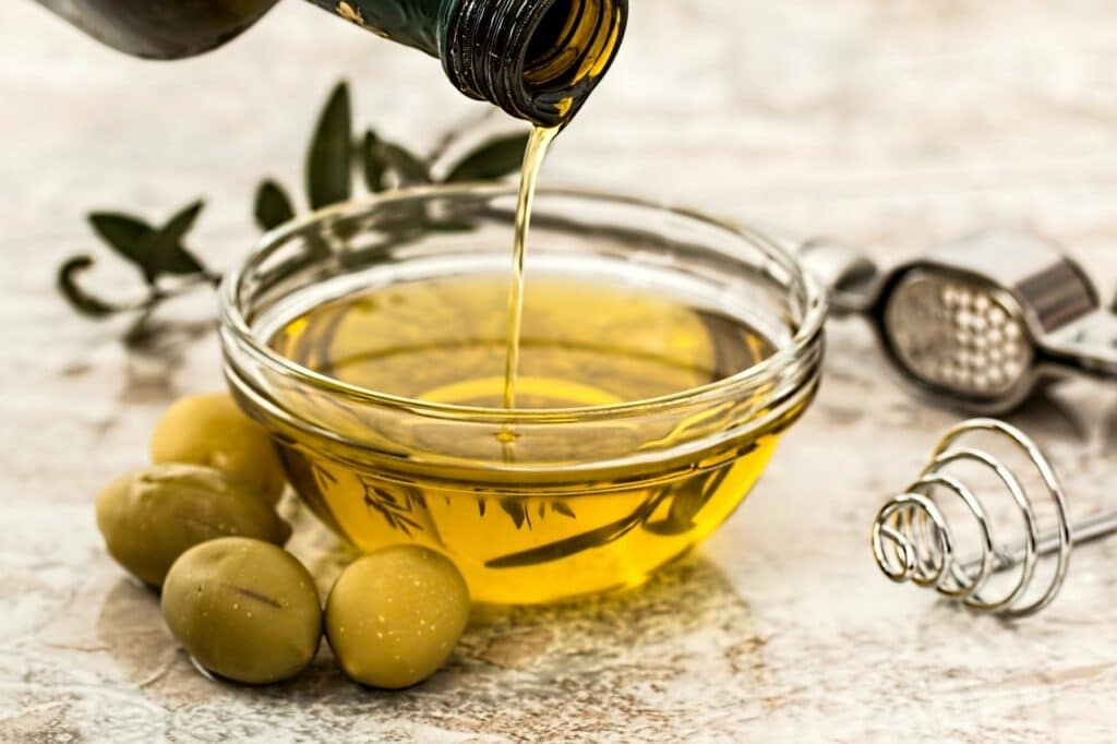 Olive oil is a healthy part of any pre-pregnancy diet.